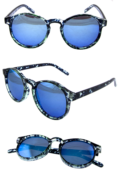Womens plastic round horn style sunglasses