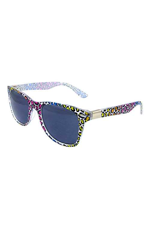 Womens horn rimmed retro square sunglasses