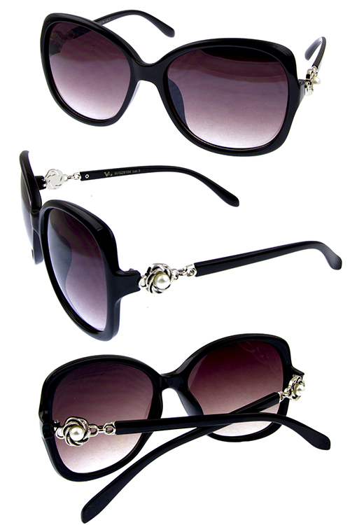 Womens pearllike accent temple detailed sunglasses